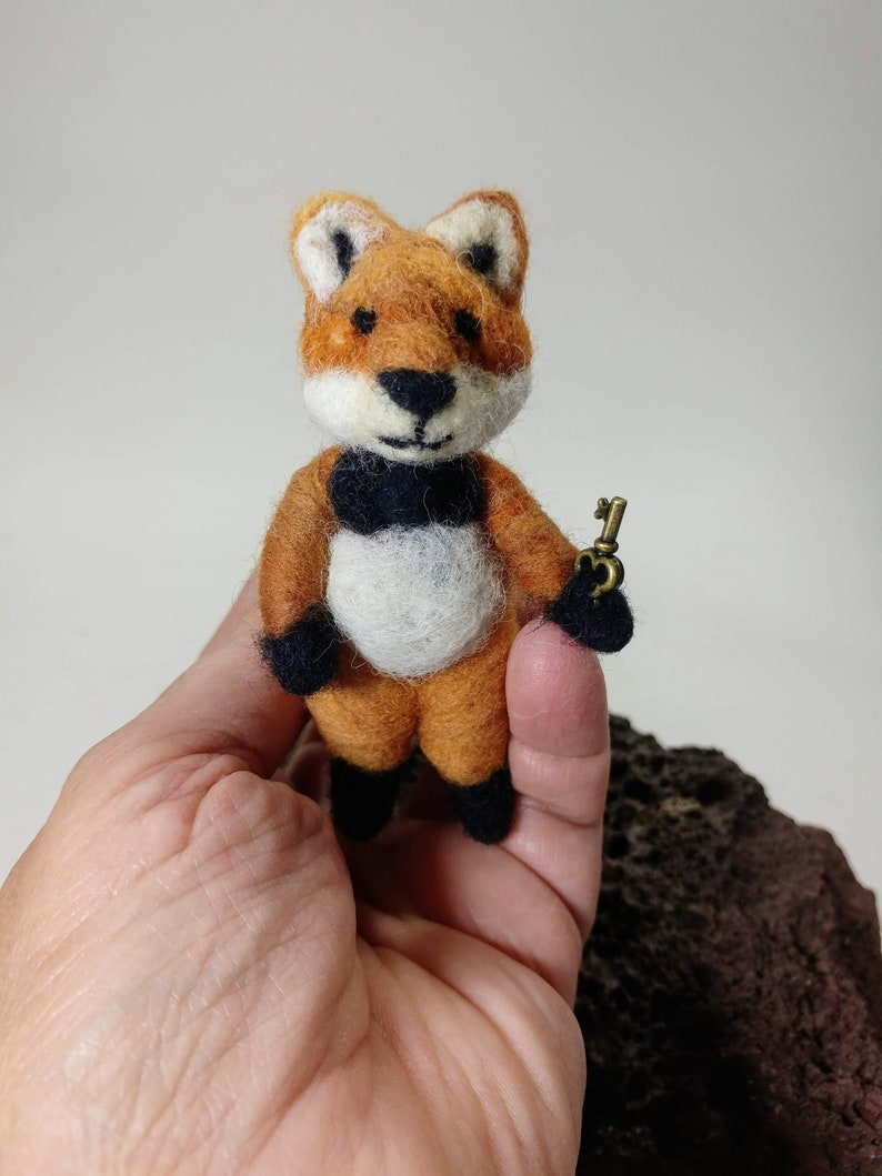 Little Red Fox with a key/Needle felted Red image 0