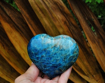 "Premium Blue Apatite Large Heart 3.2""/81mm"