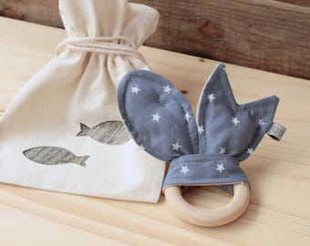 "Natural Wood Teether | ""Peixets"" Blue Night"