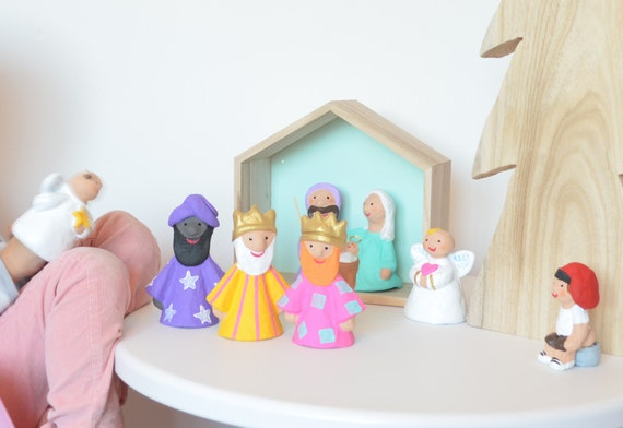 Set of aqua lilac nativity scene 7 pieces
