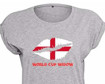 England Ladies World Cup Widow Trendy Kiss T-Shirt, Original Tee Distressed St. George's Cross Flag Design, 3 Color and 5 Size Options
