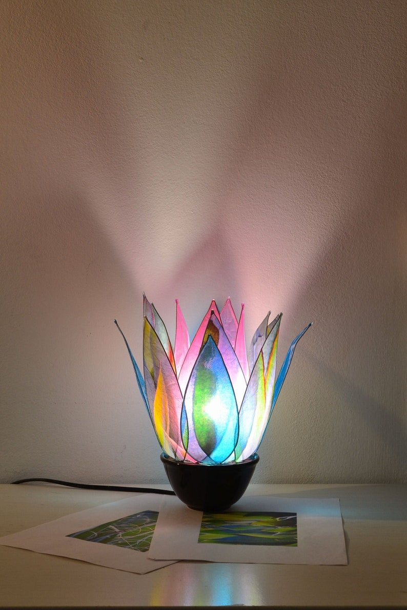 shipping free Single Piece Nymph of the Oasis Table Lamp