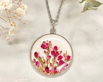 Erica pendant, Necklace with real pink flowers, Heather in resin, Heather necklace, Real heather jewelry, Good luck gift, Pressed flowers