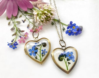 Heart photo locket with real forget me not, Necklace with real flowers, Blue flowers locket, Gift for mom, Photo box necklace