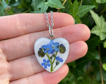 Romantic gift for her, Real Forget Me Not necklace, Heart necklace with real flowers, Blue flower necklace, myosotis necklace