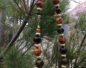 Vintage 19 inch Green, amber and caramel agate beaded necklace.