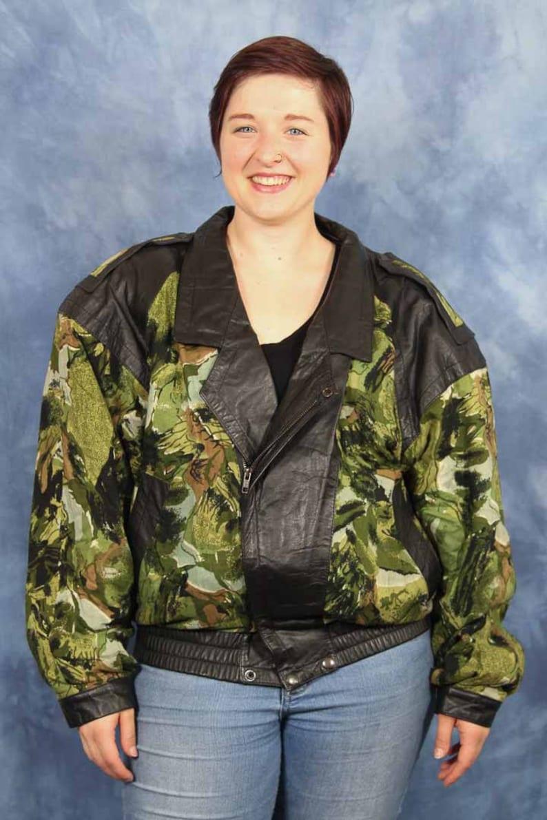 3c41cf09a69ab Vintage 80s 90s Green Leather Blocked Bomber Jacket // Retro   Etsy