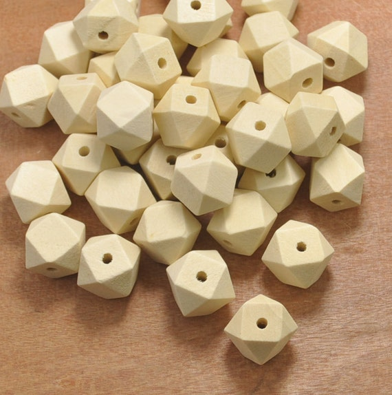 100pcs Wood Beads Accessories,Natural Polyhedron Faceted Cube Wooden Beads 20mm,Unfinished Geometric Wood Beads Octagonal,Wood Craft