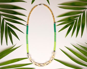 Tahitishell half-length necklace and green vinyl rings, heishi cauris necklace, heishi shell jewelry, green tropical jewelry