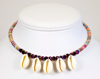 Ras of neck seashells. Short collar cauris. Multicolored heishis jewelry. Heishis necklace and seashells. Jewelry seashells and colors