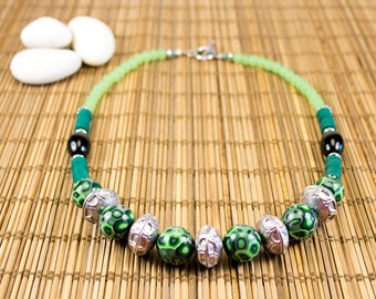 Green necklace, polymer clay and metal. Unique piece craft creation. Classic jewel. Vintage style