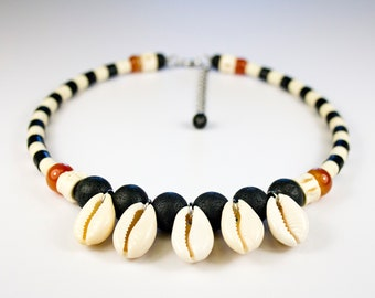 Striped ethnic necklace, lava stone, cornaline, shark vertebrae and shells, black and white neck ras, unique piece, tribal jewel