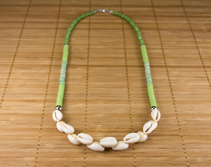 Featured listing image: Green mid-length shell necklace. Collar cauris heishi. Green jewel heishis and seashells. Jewelry cauris summer 2020. Green surfer necklace