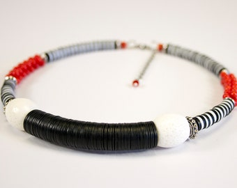 Striped neck shave in white coral and sea bamboo. Red and white coral necklace. Ethnic coral jewelry. Modern tribal necklace.