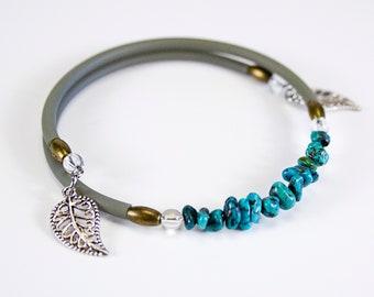 Turquoise crisp bracelet with khaki cord. Jewelry in real turquoise. Bracelet in turquoise. Fine-memory-shaped bracelet.