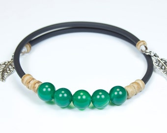Green agate bracelet with black cord. Fine stone bracelet. Jewelry in Agate. Green bracelet. Green jewelry. Stone bracelet and charms