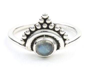 Noida Labradorite Ring, Sterling Silver Labradorite Ring, Stone Jewelry, Gemstone, Crystals, Boho, Gypsy, Minimal