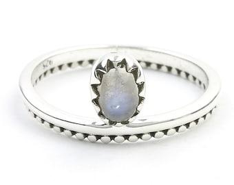 Minimal Moonstone Ring, Sterling Silver Moonstone Ring, Stone Jewelry, Gemstone, Crystals, Boho, Gypsy, Minimal
