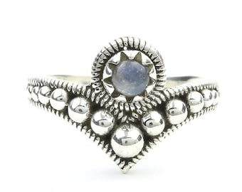 Indore Moonstone Ring, Sterling Silver Moonstone Ring, Stone Jewelry, Gemstone, Crystals, Boho, Gypsy, Hippie Jewelry,