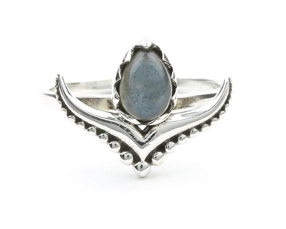 Nainital Labradorite Ring, Sterling Silver Labradorite Ring, Stone Jewelry, Gemstone, Crystals, Boho, Gypsy, Modern, Minimal