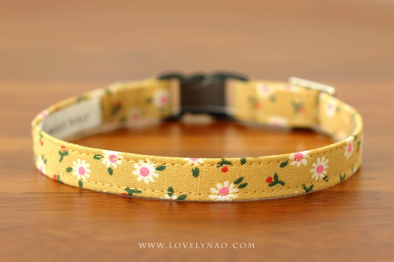 Daisy Cat Collar  Yellow image 0