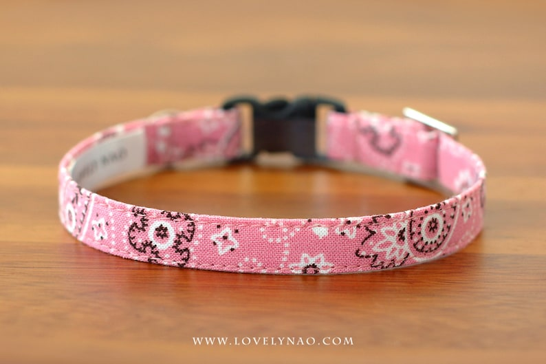 Mini Paisley Cat Collar  Pink image 0