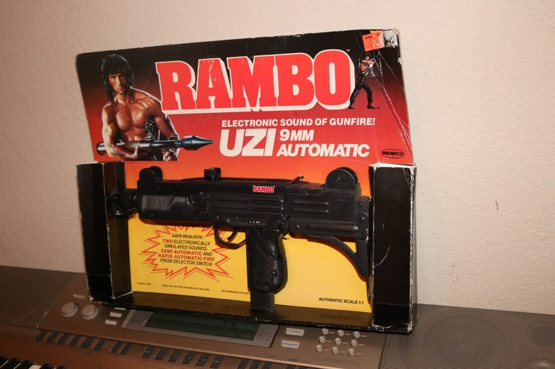 RAMBO UZI 9mm Automatic Toy Machine Gun Automatic Weapon Props Sylvester  Stallone First Blood II Pistol