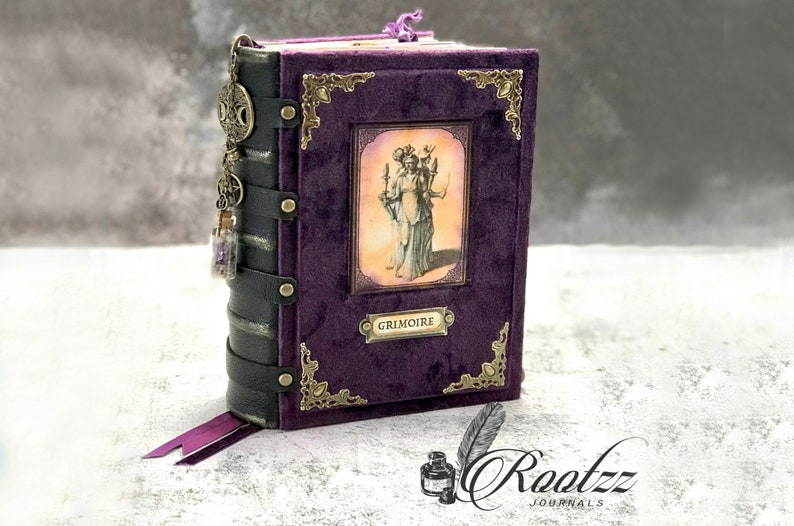 Junk journal Wicca  ready to be made image 0