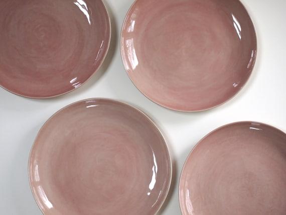 steinzeug teller in rosa keramik geschirr handgemacht. Black Bedroom Furniture Sets. Home Design Ideas
