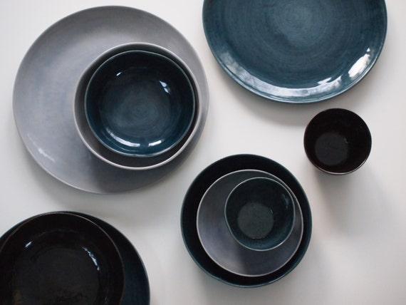 Steinzeug Geschirr Set In Blau Braun Violett Keramik Teller Etsy