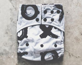 Cloth Diapers, Cloth Diaper Pattern, One Size, All in one, Modern, Bamboo, Nappies, Baby Diaper, Diaper Cover, Modern XOXO Black & White