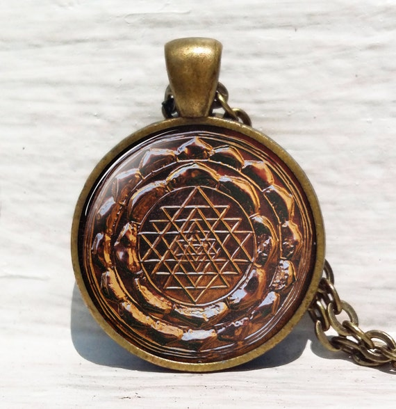 Sri yantra pendant, Sacred geometry jewelry, ancient mandala antique,  Jewelry for men, necklace for men, Sri yantra necklace, Buddhist