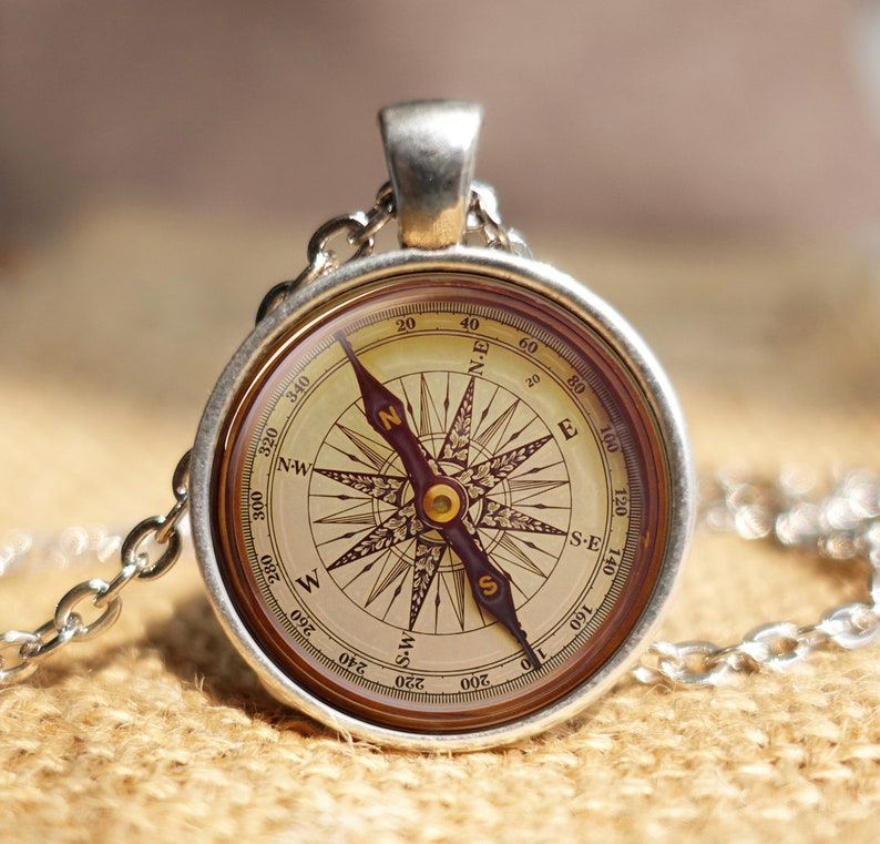 Vintage Compass Rose Key Chain,Antique Style Compass Old Compass,Compass Art Jewelry Gift