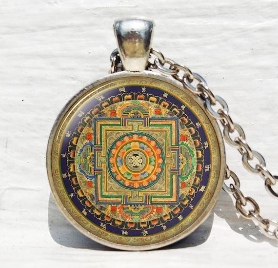 Vintage bouddhiste Mandala Tibetan Silver dôme en verre art Chaîne Collier Pendentif