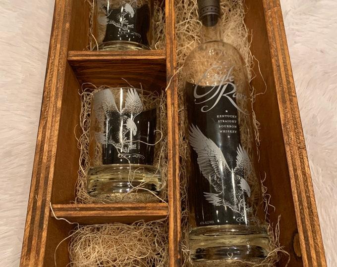 Eagle Rare Kentucky Straight Bourbon Whiskey Rocks Glass Wood Gift Set -Full Bottle Not Included