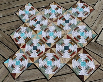 Pineapples and Pinwheels Table Topper Pattern