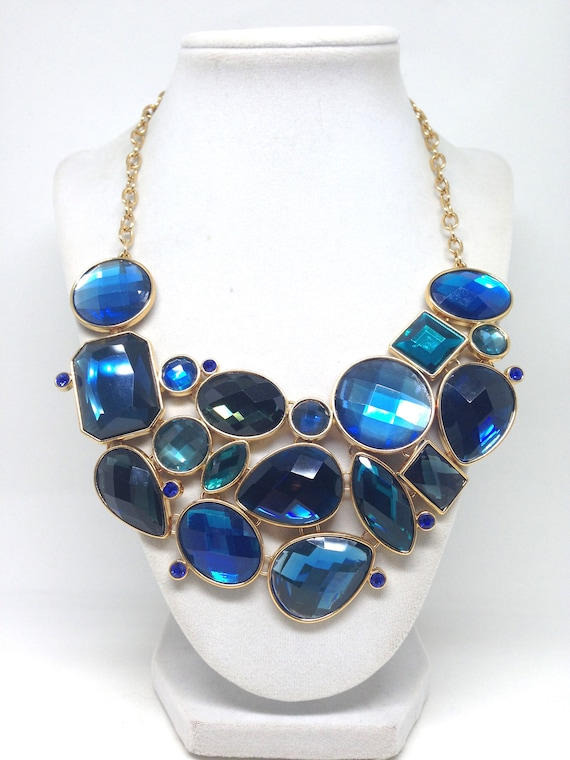 Joan Rivers *Classic Collection Blue Geometric Nec