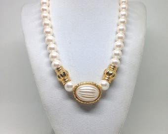 Vintage Estate Signed Richelieu Pearl Gorgeous Beaded Necklace