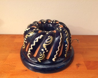 Vintage bundt pan / French / ceramic / hand painted / kugelhopf