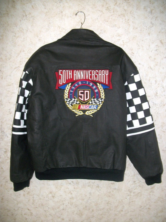 Rare 1998 Jeff Hamilton NASCAR Black Leather Bomber Jacket 50th Anniversary Car Racing Zippered Coat Black White Checkered Sleeves Mens XL