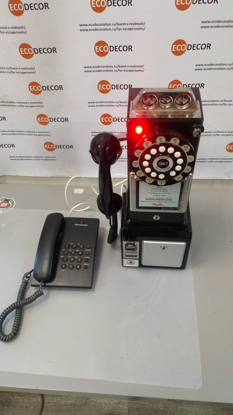 Old school phone with intercom (+coin)
