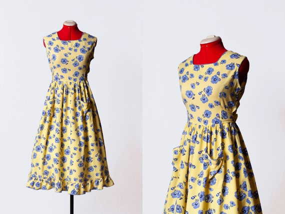1970s floral sundress with pockets