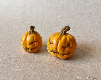 OOAK Hand Sculpted Realistic Miniature Halloween pumpkins Dollhouse 1:12th Scale