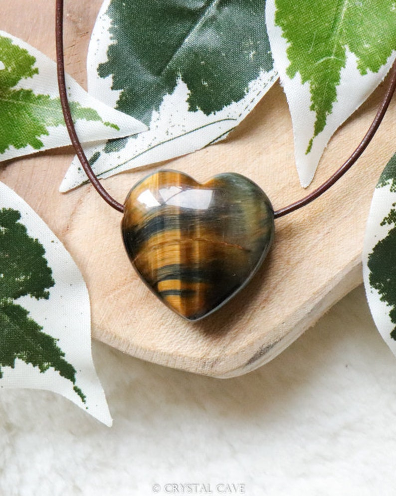 Tiger/'s Eye Heart Pendant Crystal Necklace Drilled Stone Jewelery Polished Rock Bead Healing Gemstone Courage Self-Confidence Strength