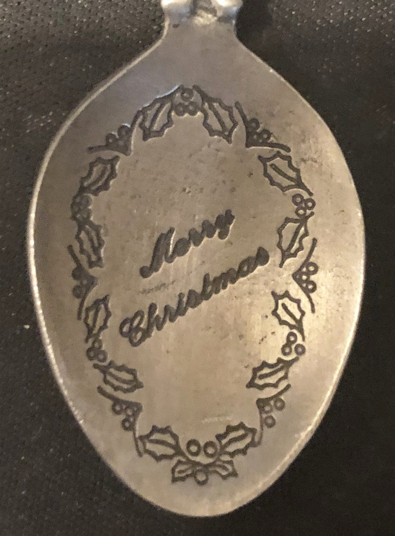bowl pre-owned Sled /& Presents top on Pewter Souvenir Spoon Vintage Merry Christmas