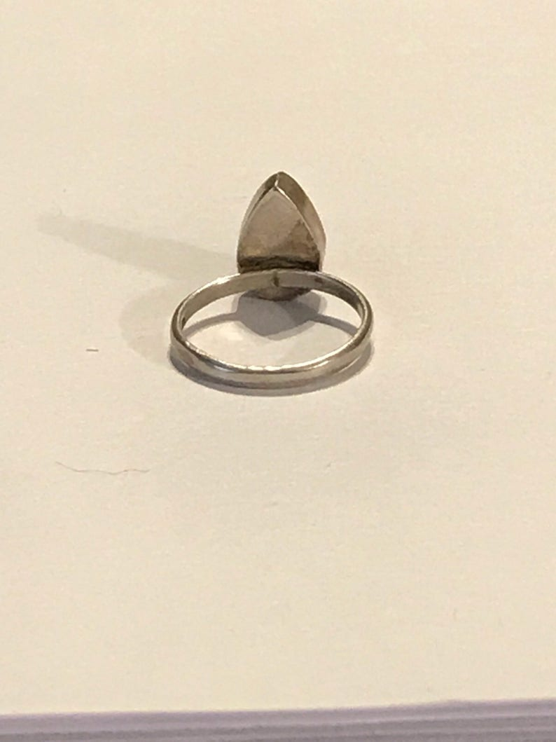 CLEARANCE CLOSEOUT MOTHERSDAYMADNESS Teardrop Red Orange Oval Stone Floral Simple Accents Statement Vintage Antique Sterling Silver Ring Car