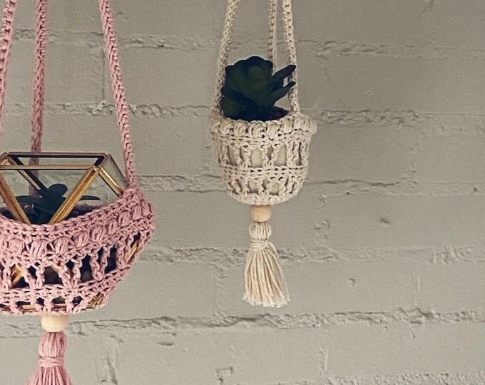 Succulent Plant Hanger Crochet Pattern