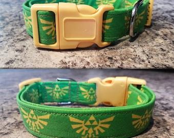 The legend of Zelda triforce collar