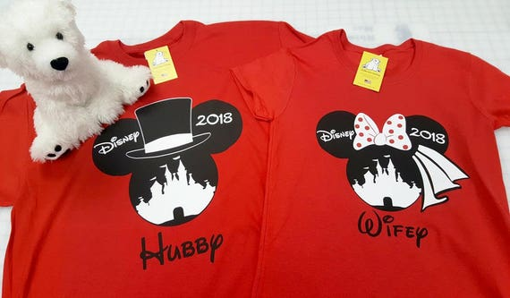 Wifey Hubby Mouse Mickey Minnie His /& Hers Text Valentines Day T-Shirt or Hoodie