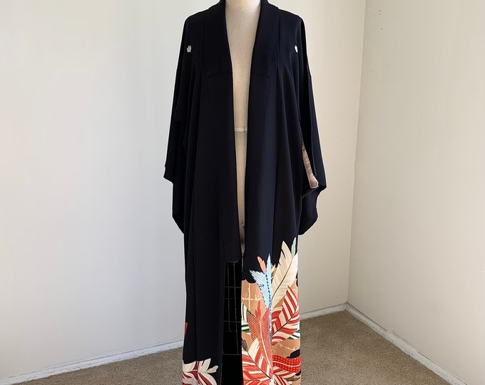 Antique 1930s Japanese silk Kurotomesode kimono | Black | Arrowhead